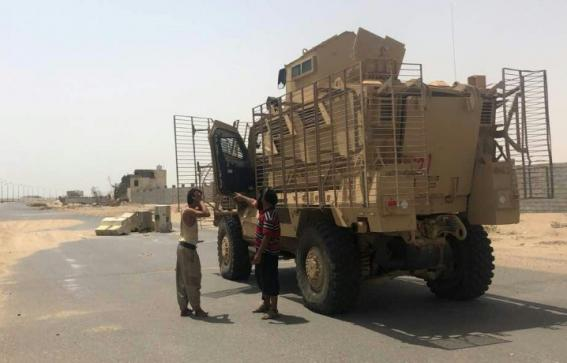 القوات المشتركة اليمنية المدعومة من التحالف تدخل مطار الحديدة
