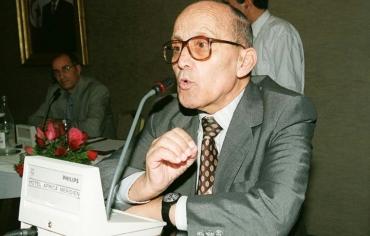 وفاة محمد الطالبي المفكر والمؤرخ التونسي المناهض للظلامية