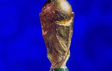 ثلاث دول تتصارع على خطف كأس العالم من قطر