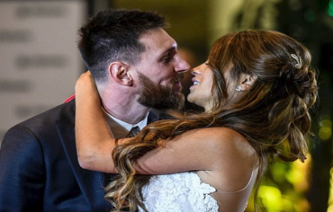 ميسي يقيم زفافاً أسطورياً