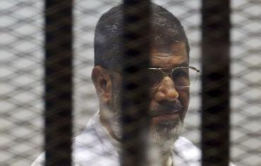 """تأجيل محاكمة """"مرسي"""" في قضية """"اقتحام السجون"""""""