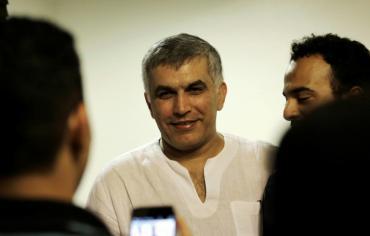 البحرين تحكم على الناشط الحقوقي نبيل رجب بالسجن سنتين
