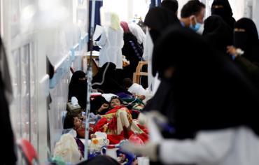 1600 وفاة بالكوليرا وأكثر من 300 ألف إصابة مشتبه بها في اليمن