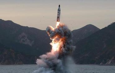 كوريا الشمالية صنعت رأسا نوويا يمكن تركيبه على صاروخ