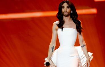 تضامنا مع مغنيين سوريين.. المرأة الملتحية ترفض الغناء في مهرجان دولي