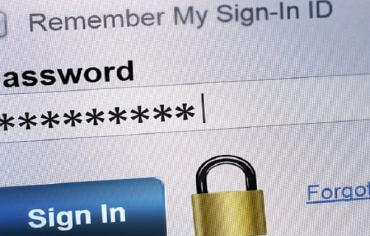 """مخترع قواعد كلمات السر """"الآمنة"""" يعترف بخطئه"""