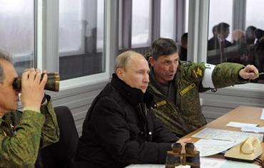بوتين يحضر مناورات على تخوم الناتو