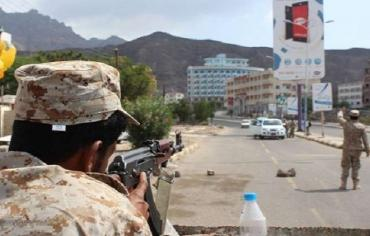 """ماذا يحدث بين قوات """"الحماية الرئاسية"""" و""""الحزام الأمني"""" في عدن؟"""