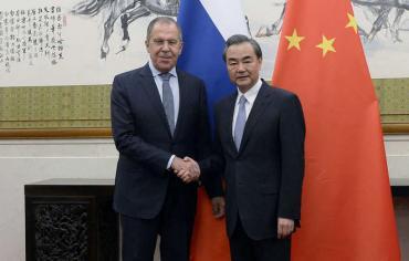 روسيا والصين تؤكدان ضرورة حل الأزمتين السورية والكورية سياسيا