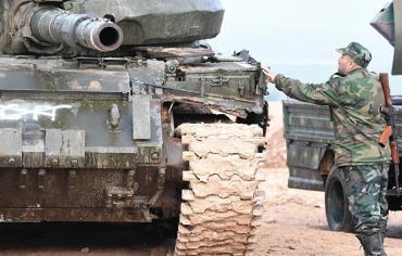 """القوات السورية الحكومية تطرد """"داعش"""" من عدد من القرى شرق نهر الفرات"""