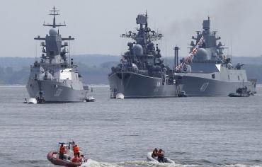 روسيا تباشر تقليص قواتها في سوريا بدءاً من حاملات الطائرات