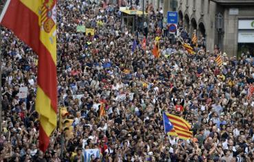 """مئات آلاف المتظاهرين في برشلونة طالبوا ب """"خروج قوات الاحتلال"""""""