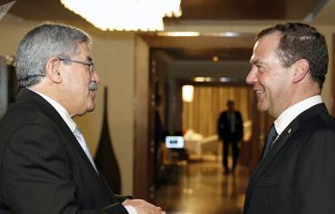 التوقيع على خمس اتفاقيات تعاون في ختام زيارة مدفيديف إلى الجزائر