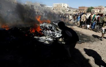 قصف جوي على معسكرين لداعش في اليمن للمرة الاولى