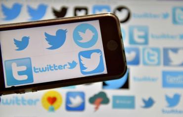 البرلمان البريطاني يطالب تويتر باعداد قائمة بالحسابات الروسية لديه