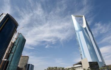 وزير المالية السعودي يتوقع بدء تعافي اقتصاد بلاده خلال 2018