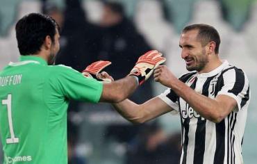 يوفنتوس يحجز مقعده في نهائي كأس إيطاليا