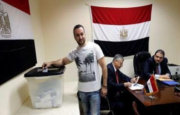 مصريو الخارج يصوتون بكثافة في أول أيام الانتخابات الرئاسة