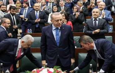 حزب أردوغان بصدد النظر في دعوة لانتخابات رئاسية مبكرة