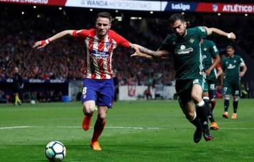ريال بيتيس يقرب برشلونة خطوة أخرى من لقب الليغا