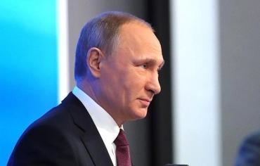 """بوتين يتهم أوباما بمحاولة """"تقويض شرعية"""" ترامب"""