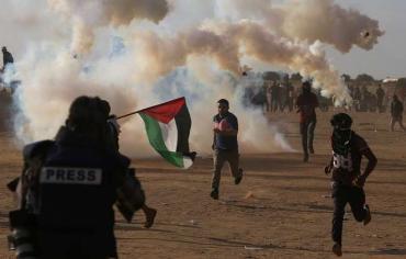 """طاقم طبي جزائري يصنع بطولات في """"مسيرات العودة"""" بغزة"""