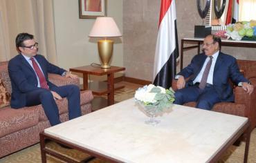 في لقاء مع نائب الرئيس ،السفير التركي ينقل القلق من معارك الساحل الغربي