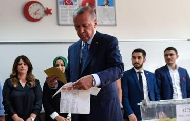 اردوغان يعلن فوزه في الانتخابات التركية