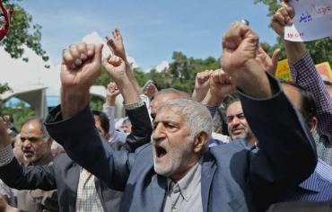 عودة العقوبات الأمريكية ضد طهران ستستفيد منها المعارضة المتشددة
