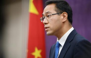 الصين تؤكد أنها لن ترضخ للتهديد وأن الولايات المتحدة تُضر نفسها