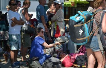 98 قتيلا على الاقل في زلزال اندونيسيا وإجلاء اكثر من الفي سائح