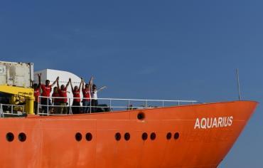 مالطا تسمح برسو سفينة أكواريوس وخمس دول مستعدة لاستقبال المهاجرين