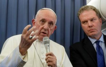 البابا يرفض الرد على اسقف اتهمه بالتستر على كاردينال