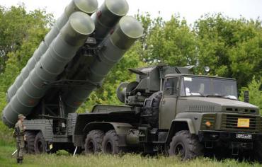 """مصدر: منظومات """"إس-300"""" التي سلمتها روسيا لسوريا محدثة"""