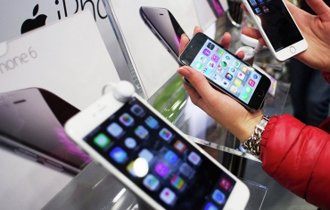 """أبل تستبدل قارئ البصمة في هواتف """"آيفون"""" بتقنية مذهلة"""